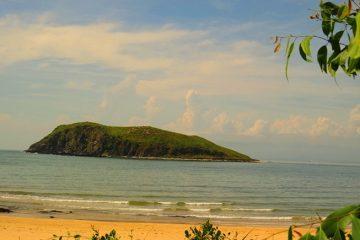 Tour Vũng chùa Đảo Yến Đèo Ngang Làng Bích Họa bãi Đá Nhảy Cồn cát